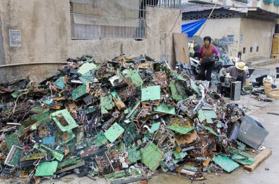guiyu-largest-e-waste-site-on-earth-4