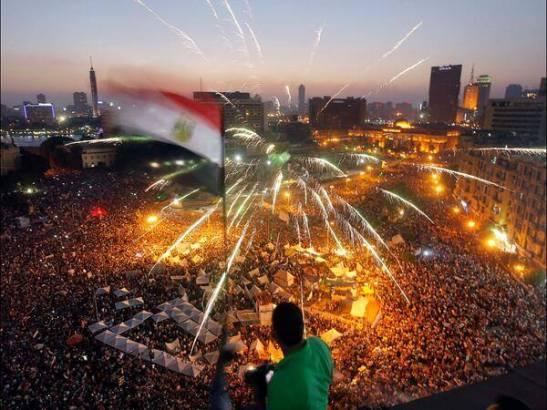 Tahir, Egipto, hoy mismo. Difunde, comparte.